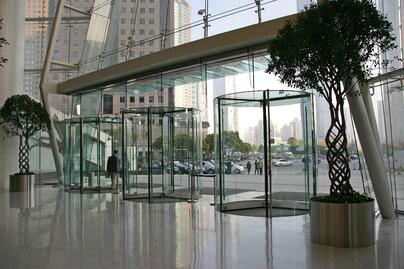 Puerta giratoria_TG_AMBIENCE_Shanghai ONE Lujiazui