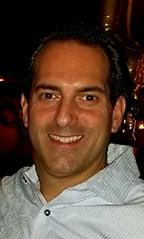 Joe Dai_Presidente de The MacKenzie Group, División de Puertas Manuales y