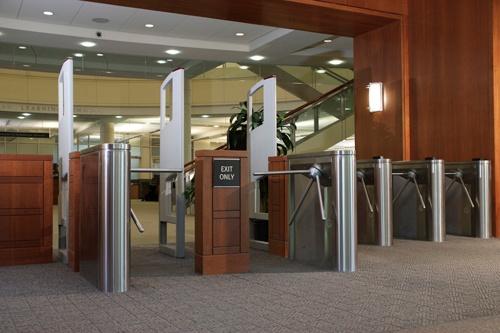 Trilock 75 torniquete de trípode a la biblioteca universitario