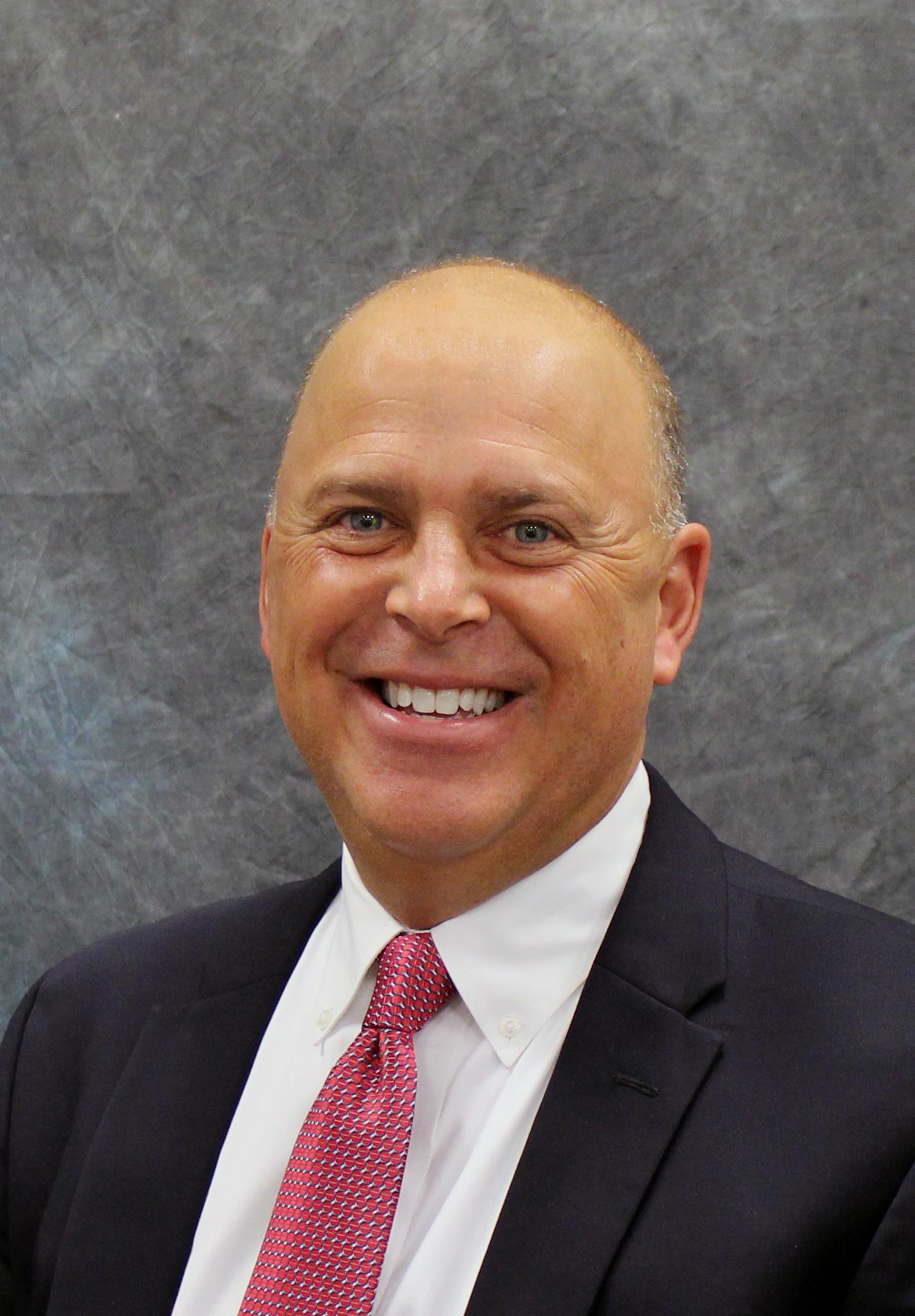 Greg Schreiber, Vicepresidente Mayor de Ventas